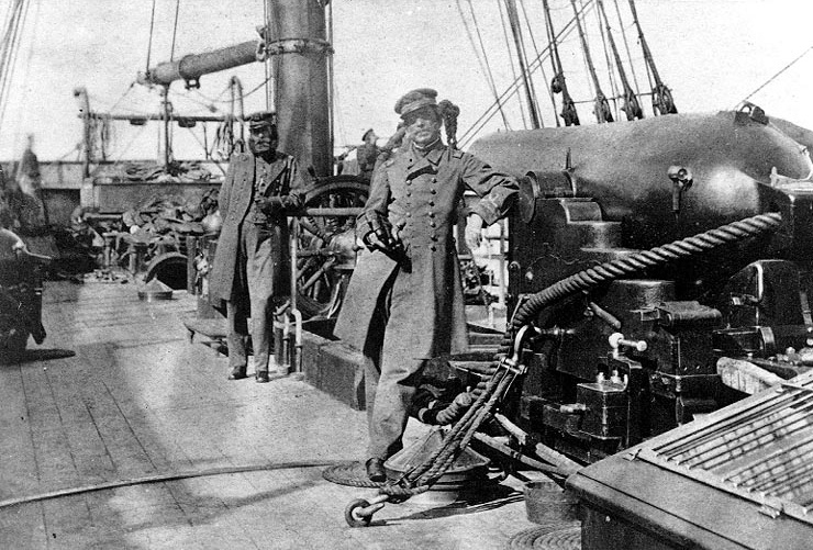 Captain_Raphael_Semmes_and_First_Lieutenant_John_Kell_aboard_CSS_Alabama_1863_bw